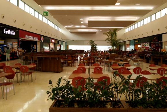 Shopping Nações reabre Praça de Alimentação